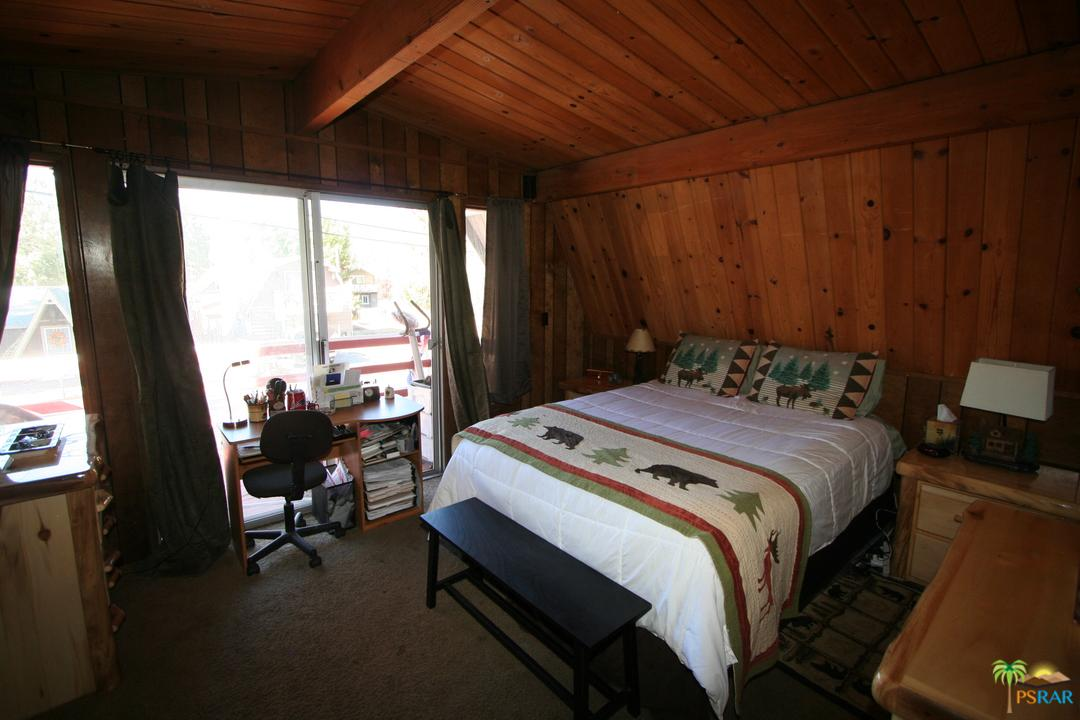 1028 AEROPLANE, Big Bear, CA 92314