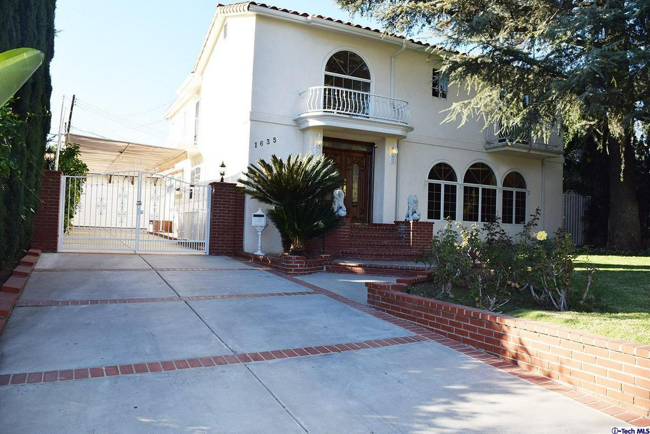 Glendale                                                                      , CA - $1,650,000