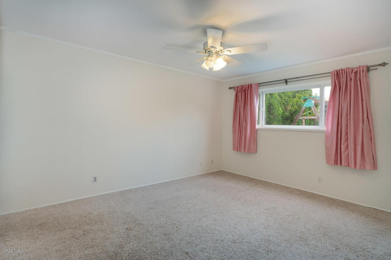 161 SANDRA, Newbury Park, CA 91320 - En-suite Bedroom