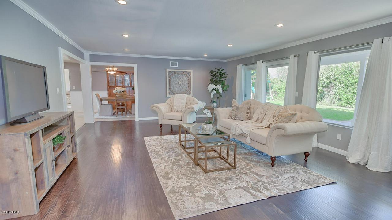 161 SANDRA, Newbury Park, CA 91320 - Family Room