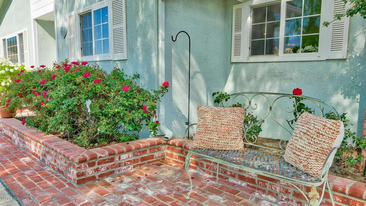 161 SANDRA, Newbury Park, CA 91320 - Front Porch
