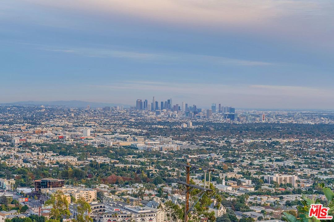 1715 CRISLER, Los Angeles (City), CA 90069