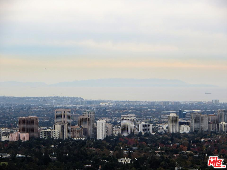 9921 SHANGRI LA, Beverly Hills, CA 90210