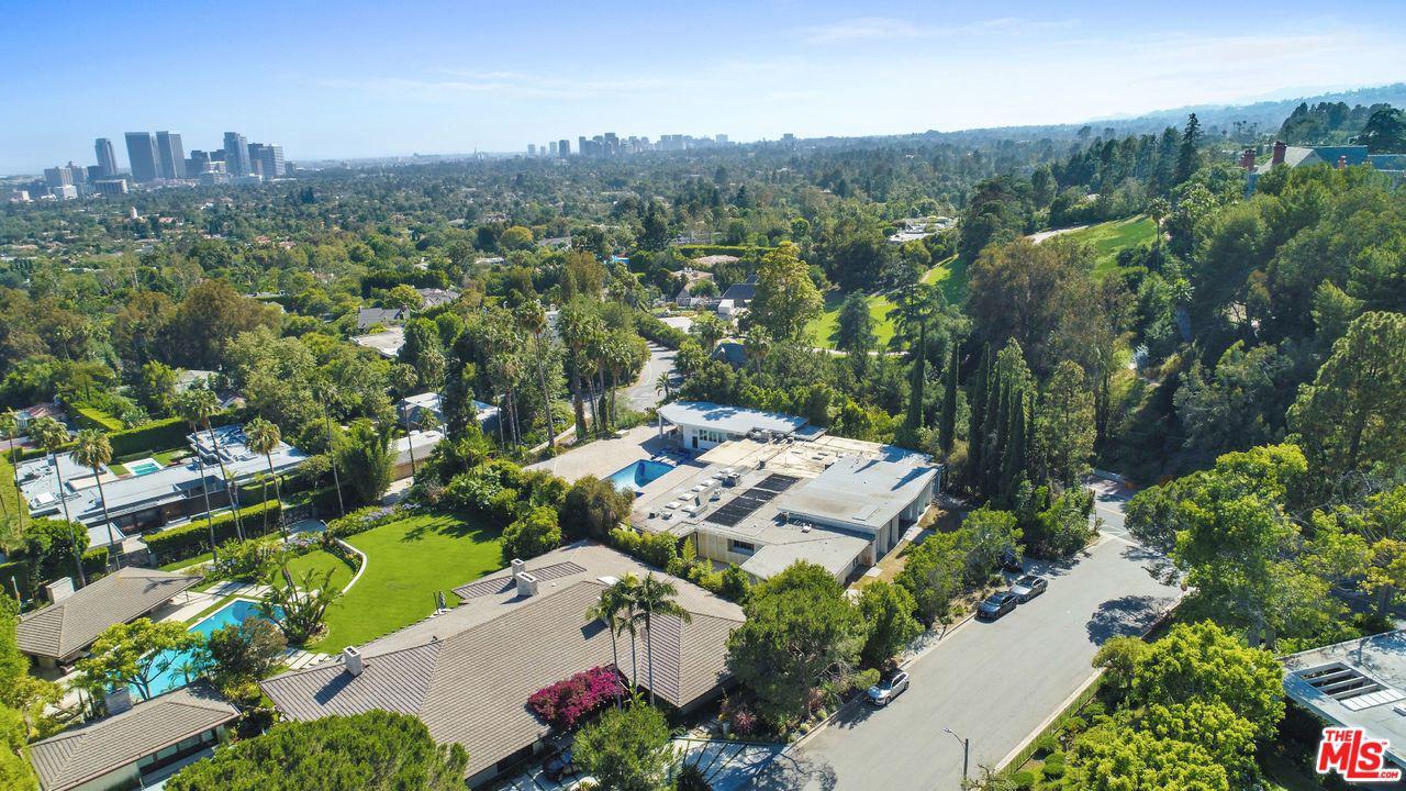 Photo of 430 ROBERT LN, Beverly Hills, CA 90210
