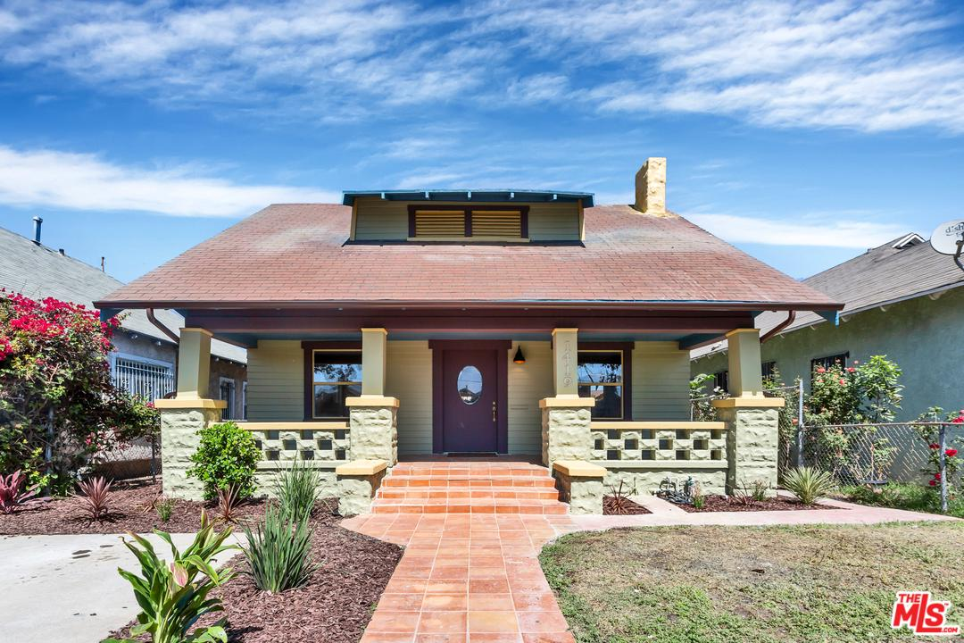 Photo of 1419 ROLLAND CURTIS PL, Los Angeles, CA 90062