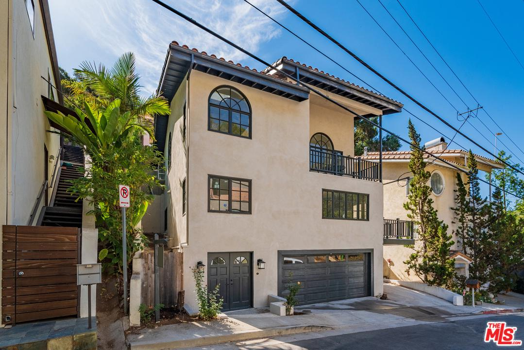 Photo of 8032 WILLOW GLEN RD, Los Angeles, CA 90046