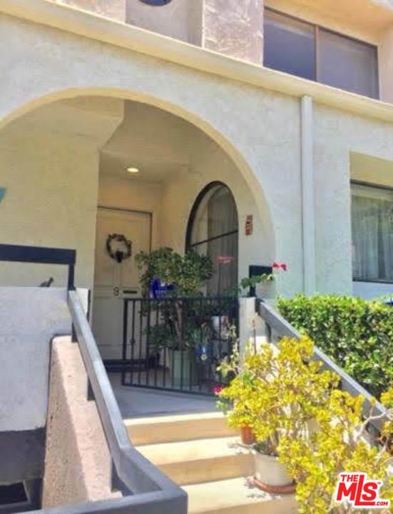 21620 BURBANK, 9 - Woodland Hills, California