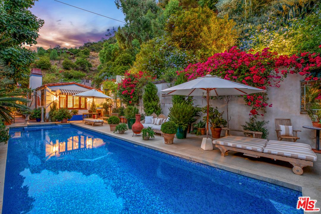 Photo of 10051 CIELO Drive, Beverly Hills, CA 90210
