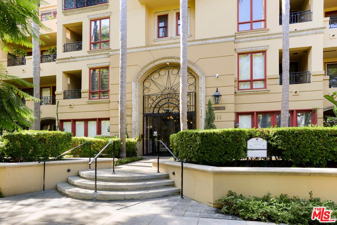 Photo of 411 North OAKHURST Drive #407, Beverly Hills, CA 90210