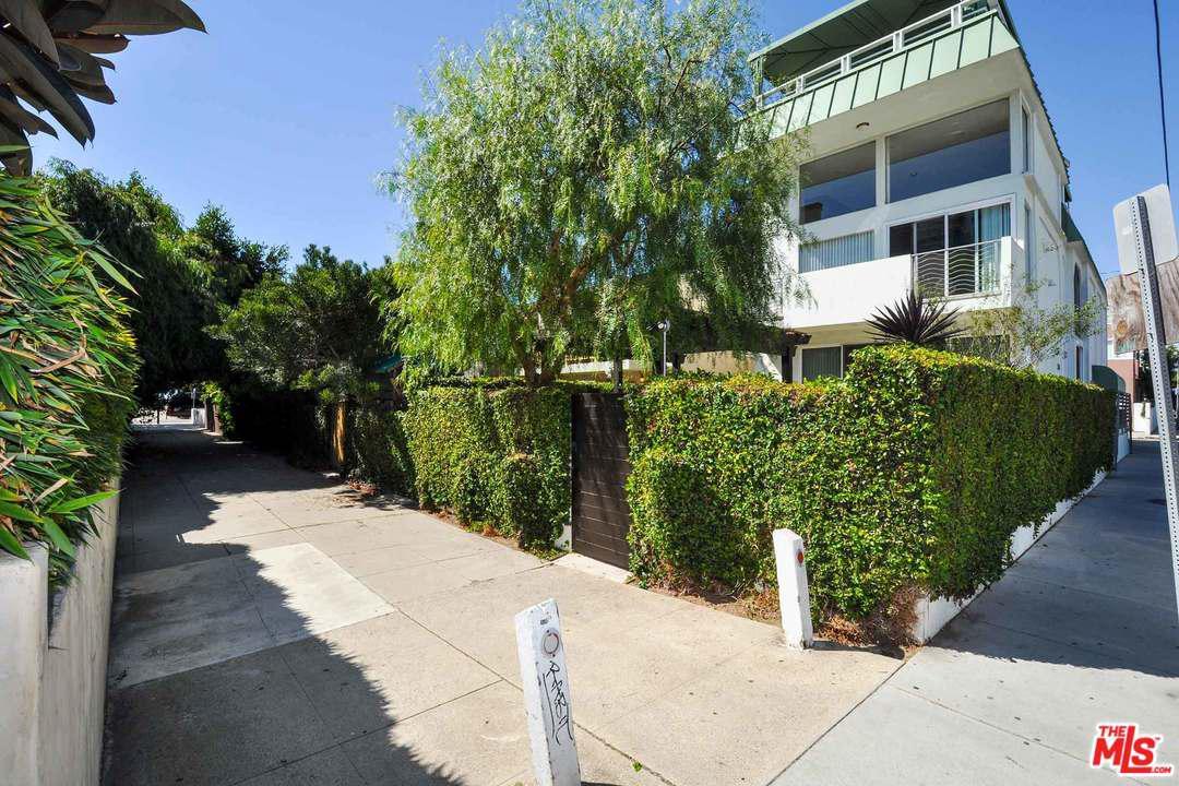 Photo of 29 YAWL Street #A, Marina Del Rey, CA 90292