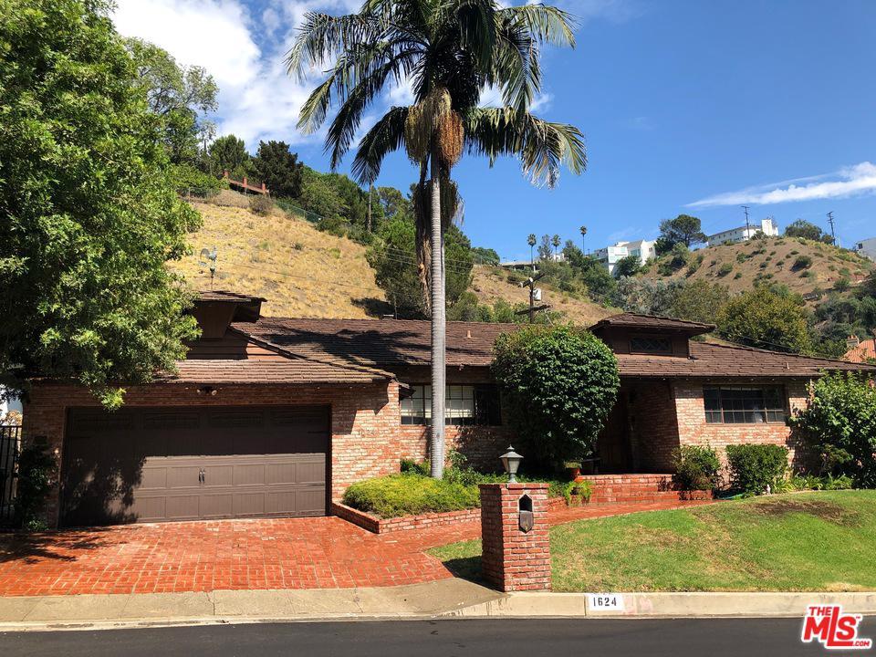 Photo of 1624 SAN YSIDRO Drive, Beverly Hills, CA 90210
