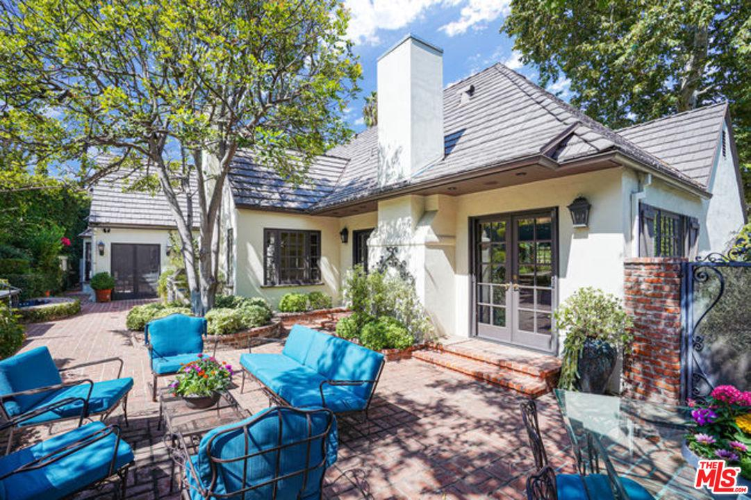 Photo of 14256 ROBLAR Place, Sherman Oaks, CA 91423