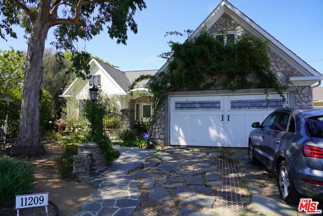 Photo of 11209 HUNTLEY Place, Culver City, CA 90230
