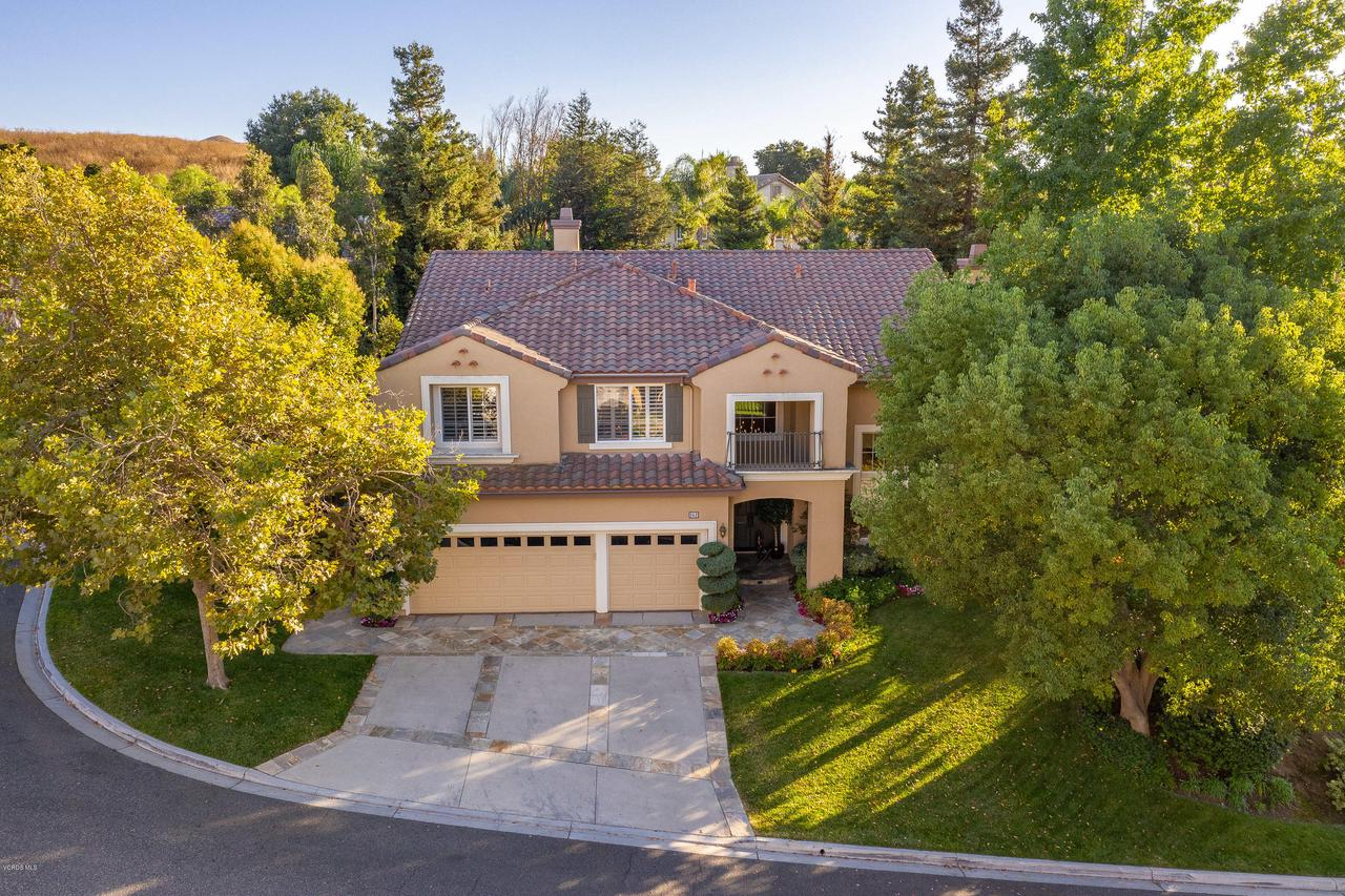 Photo of 152 SYCAMORE GROVE Street, Simi Valley, CA 93065