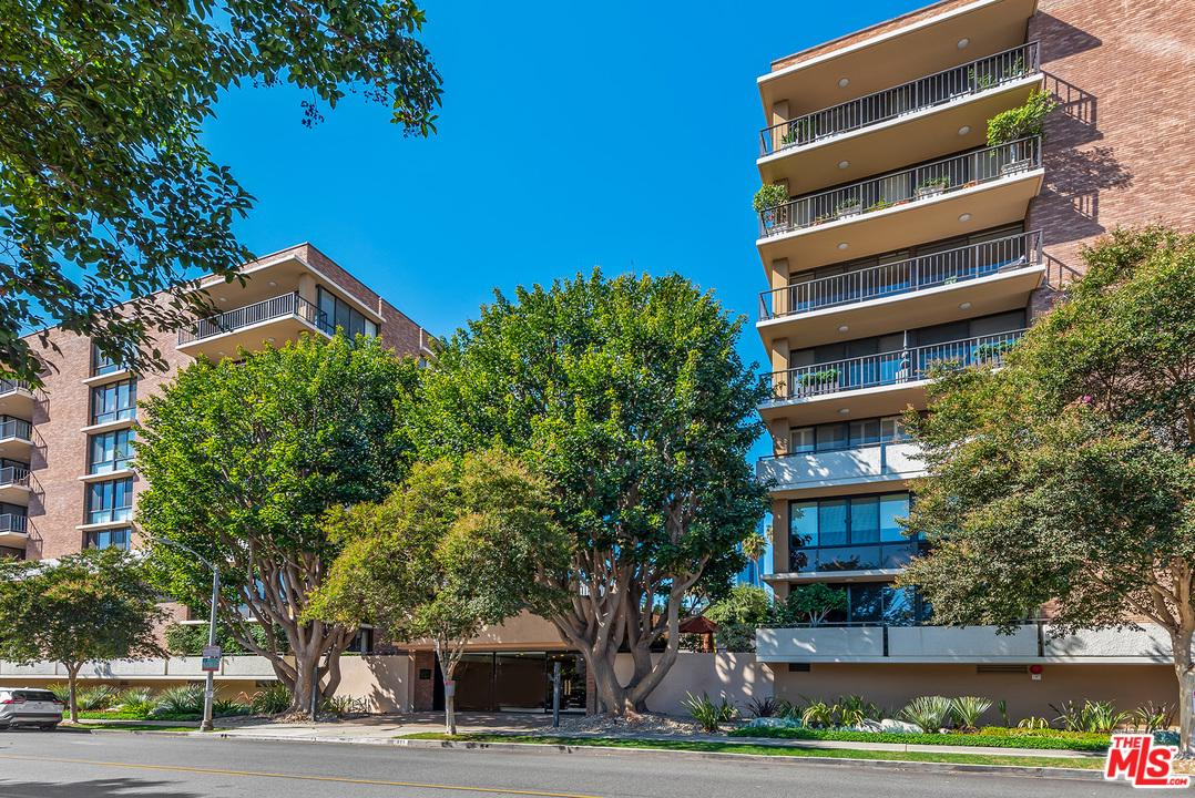 Photo of 211 South SPALDING Drive #N201, Beverly Hills, CA 90212