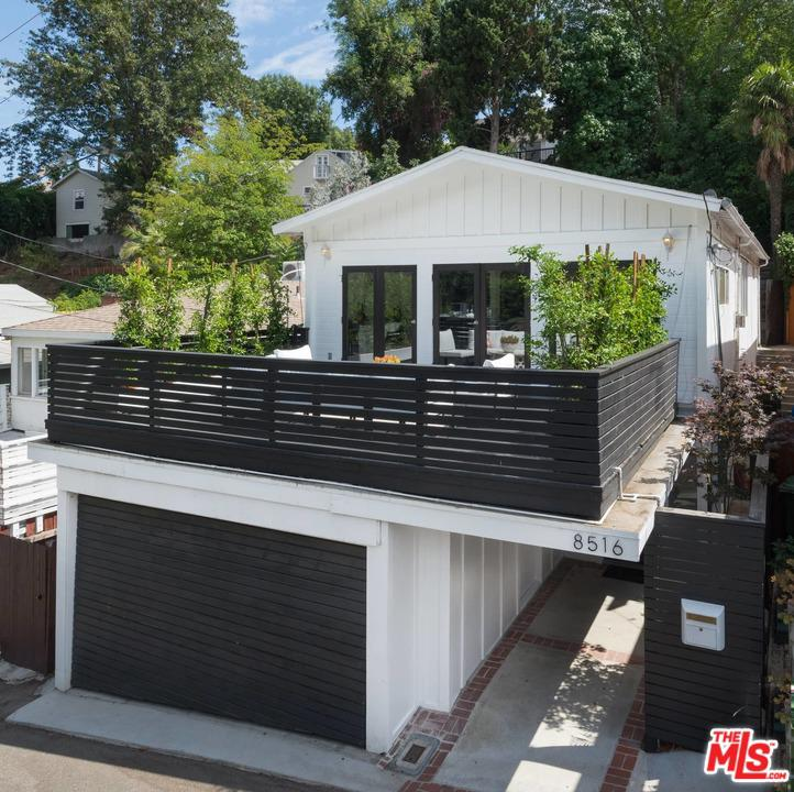 Photo of 8516 WALNUT Drive, Los Angeles, CA 90046