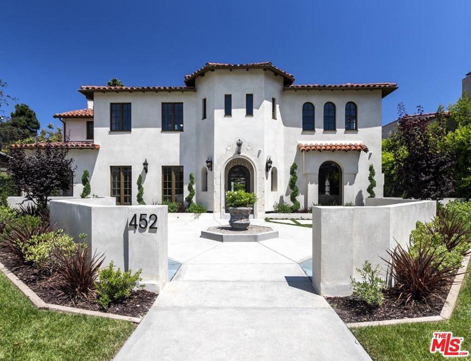 Photo of 452 South LAS PALMAS Avenue, Los Angeles, CA 90020