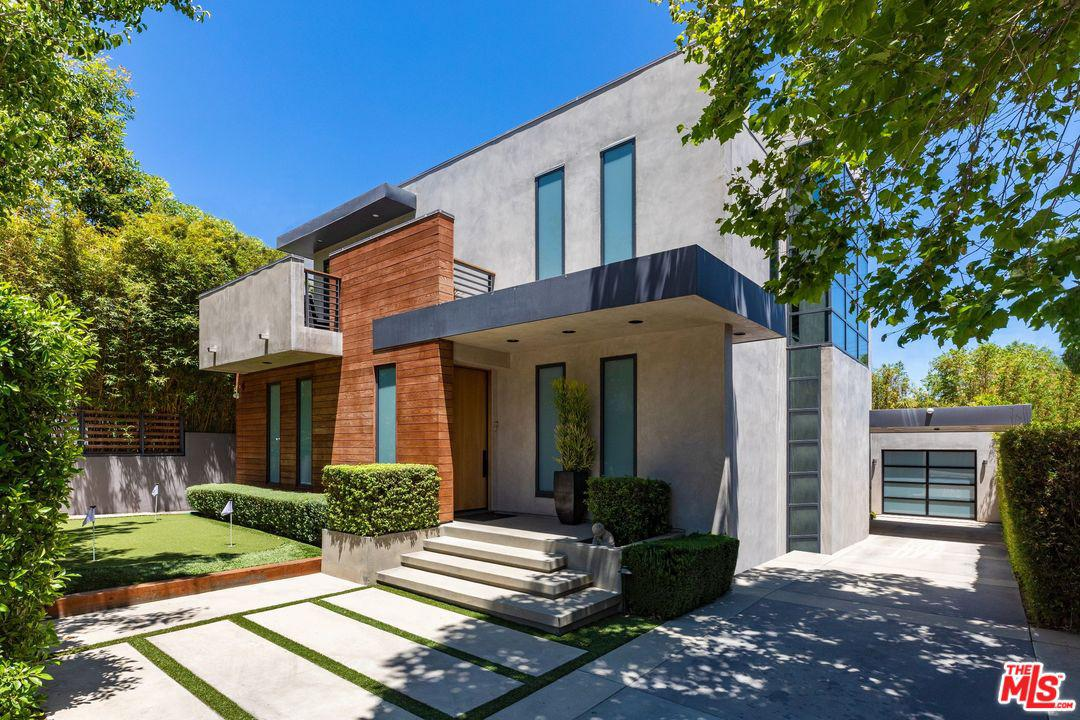 Photo of 912 North WEST KNOLL Drive, West Hollywood, CA 90069