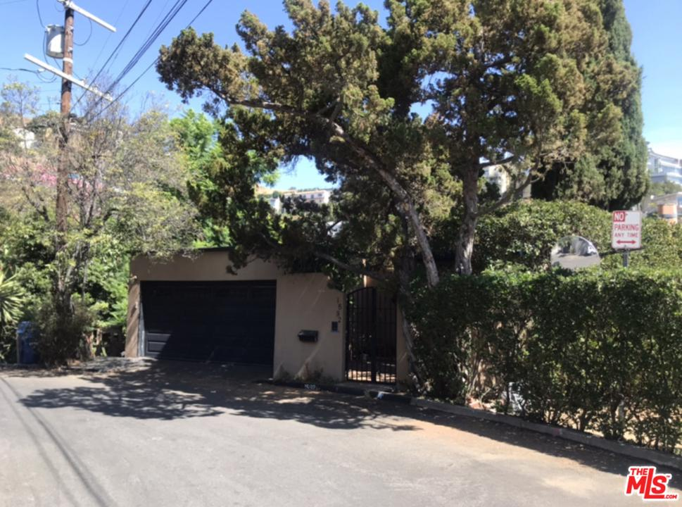 Photo of 1592 VIEWSITE Drive, Los Angeles, CA 90069