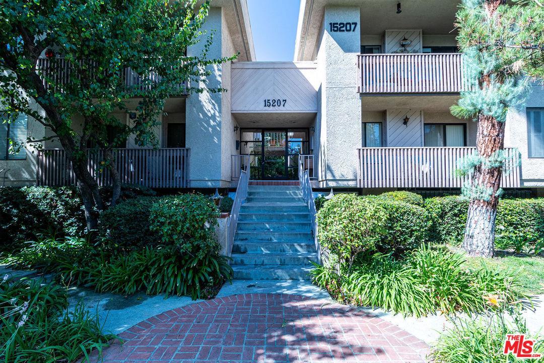 Photo of 15207 MAGNOLIA #110, Sherman Oaks, CA 91403