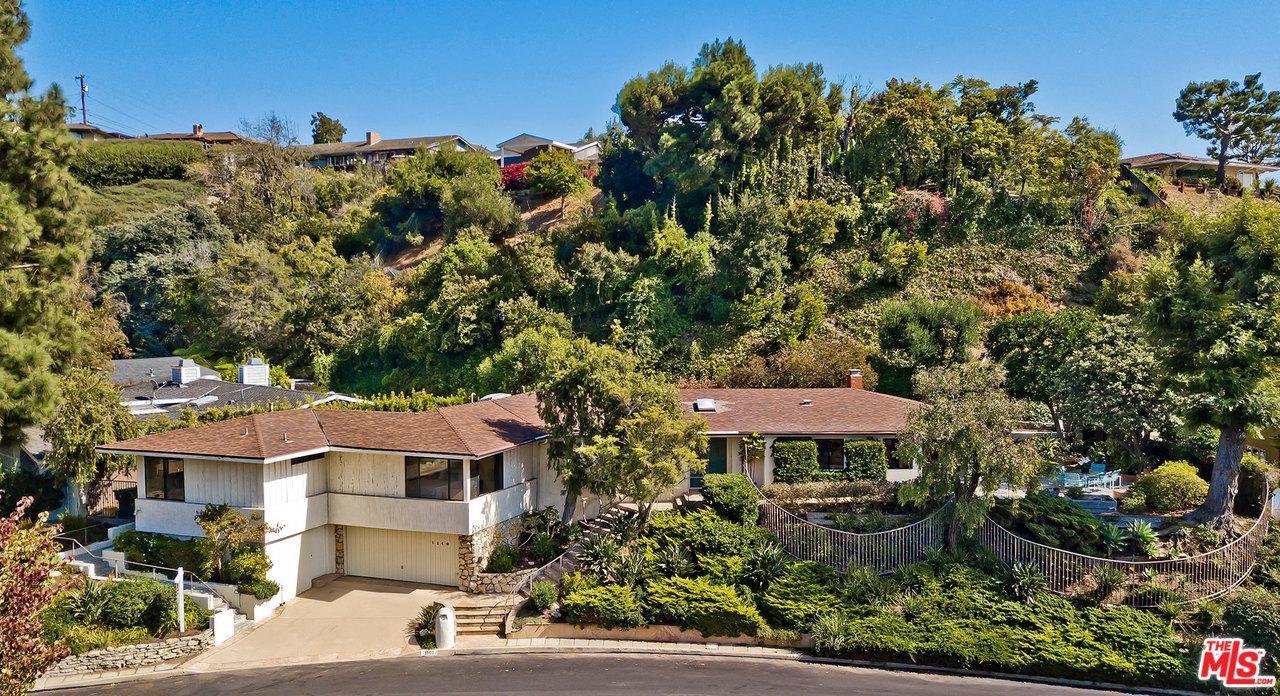 Photo of 1140 LAS LOMAS Avenue, Pacific Palisades, CA 90272