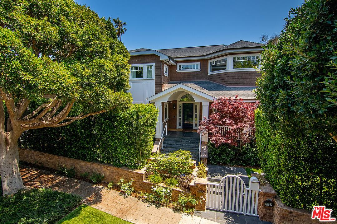 Photo of 2202 GEORGINA Avenue, Santa Monica, CA 90402