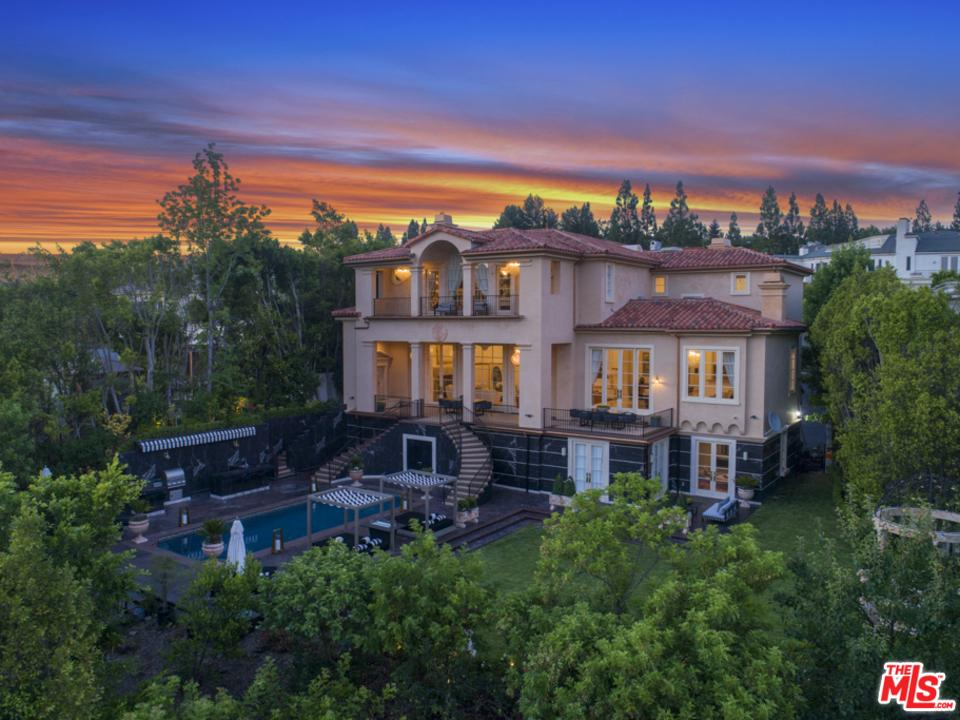 2223 QUEENSBOROUGH Lane - Bel-Air / Holmby Hills, California