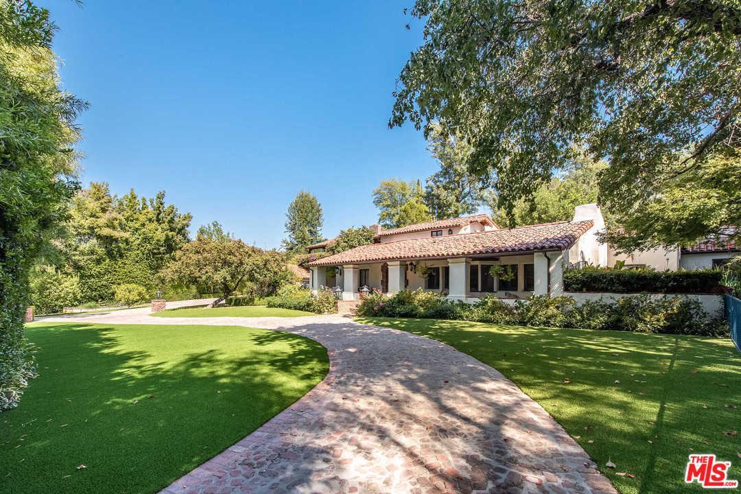 Photo of 4700 LIBBIT Avenue, Encino, CA 91436