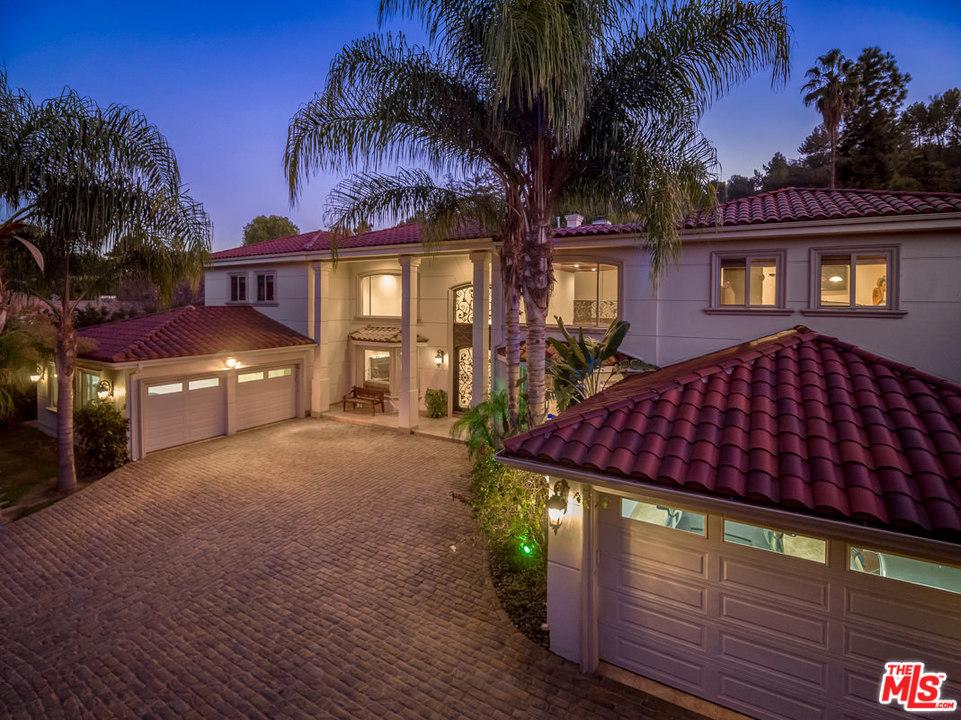 Photo of 16020 VALLEY VISTA BOULEVARD, Encino, CA 91436
