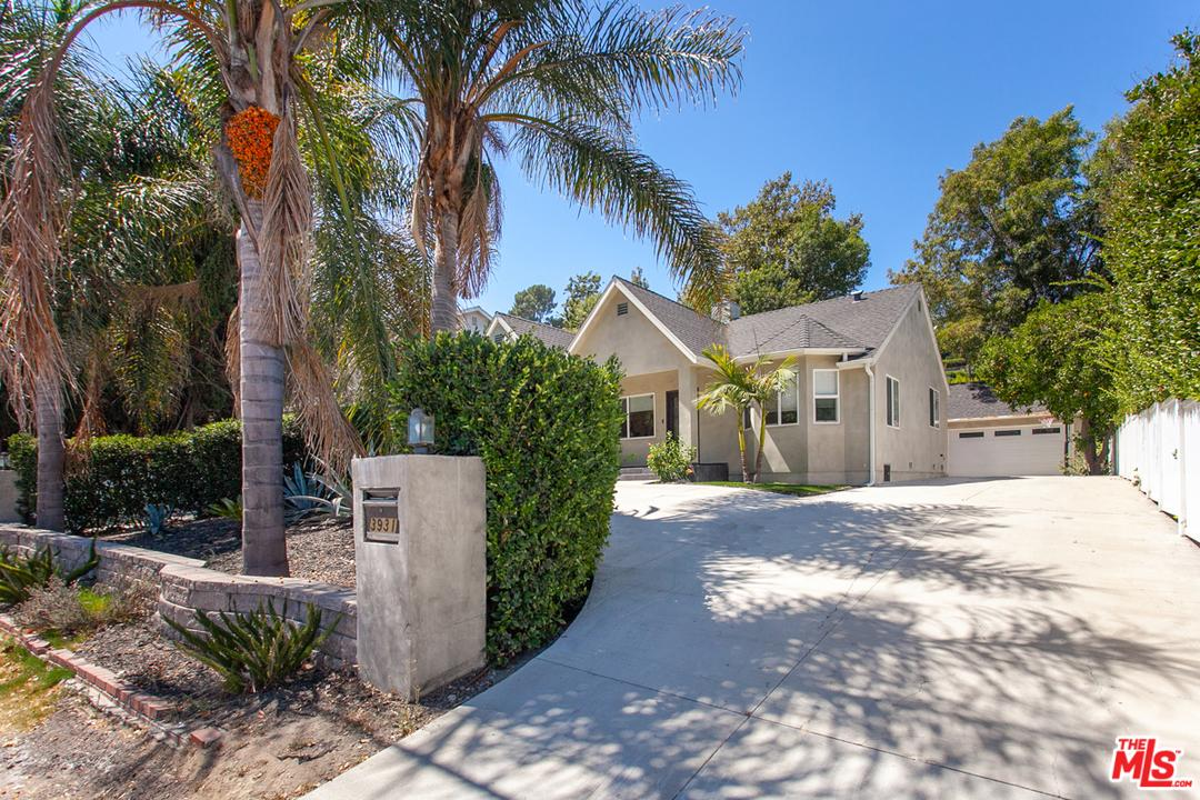 Photo of 3931 COLDWATER CANYON Avenue, Studio City, CA 91604