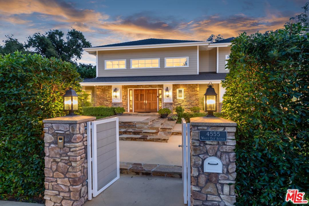 Photo of 4555 WHITE OAK Avenue, Encino, CA 91316