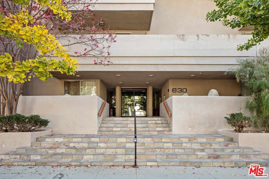 630 IDAHO Avenue, 304 - Santa Monica, California