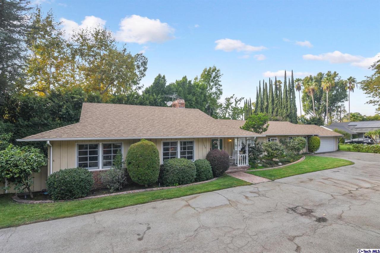 Photo of 10459 CAMARILLO Street, Toluca Lake, CA 91602