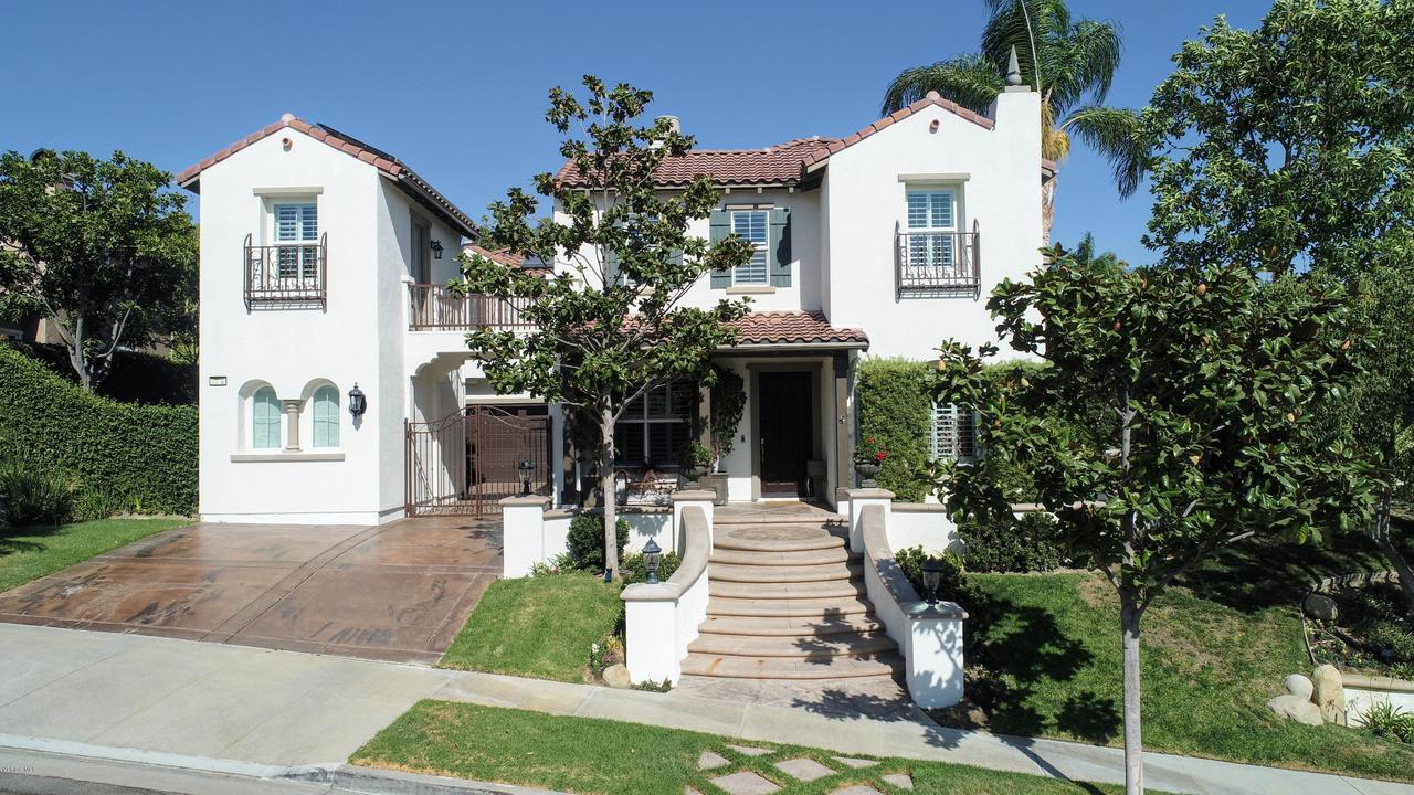 Photo of 3718 MANDOLIN Avenue, Simi Valley, CA 93063