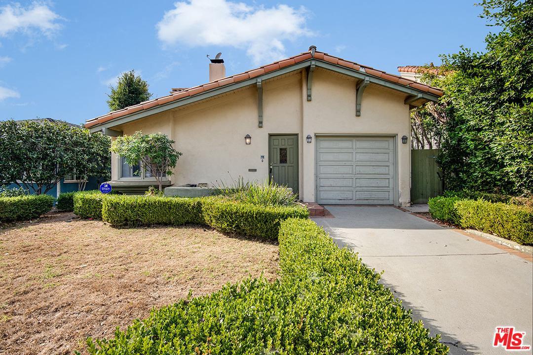 Photo of 1027 HARTZELL Street, Pacific Palisades, CA 90272