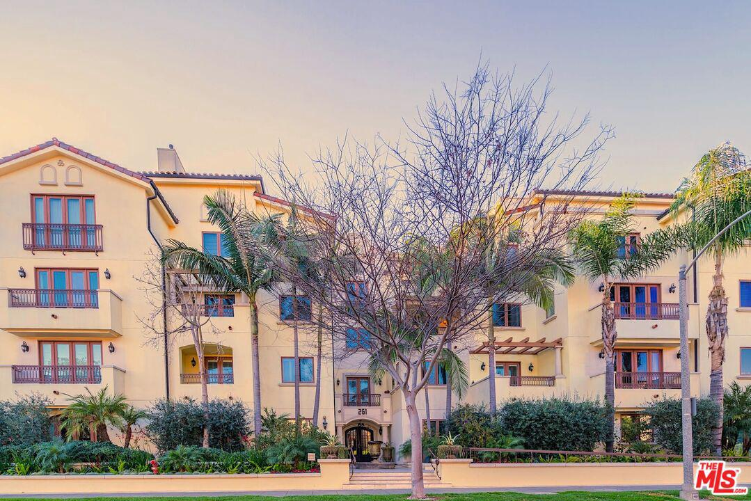 Photo of 261 South REEVES Drive #101, Beverly Hills, CA 90212