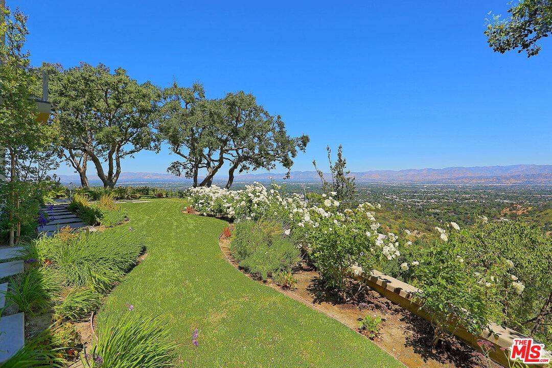 Photo of 13331 MULHOLLAND Drive, Beverly Hills, CA 90210