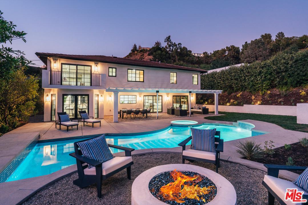 Photo of 9780 APRICOT Lane, Beverly Hills, CA 90210