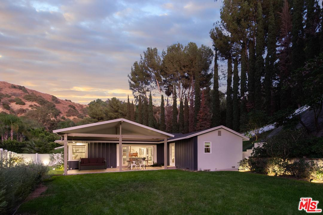 Photo of 9476 HIDDEN VALLEY Place, Beverly Hills, CA 90210