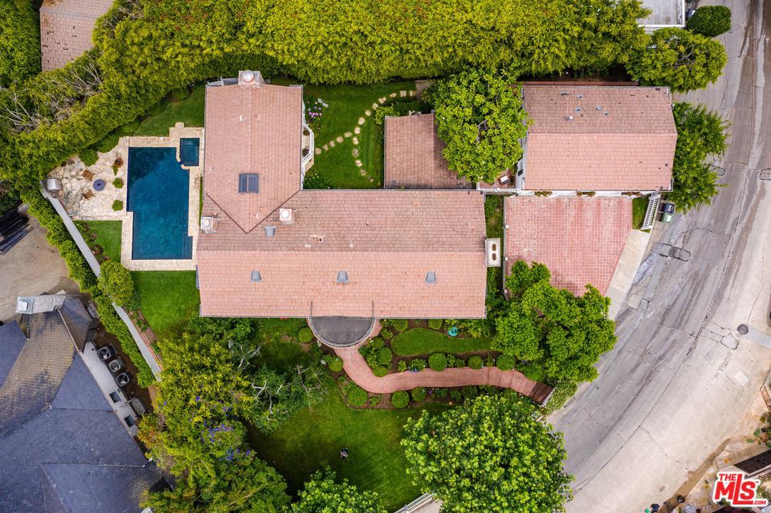 Photo of 1465 LINDACREST Drive, Beverly Hills, CA 90210