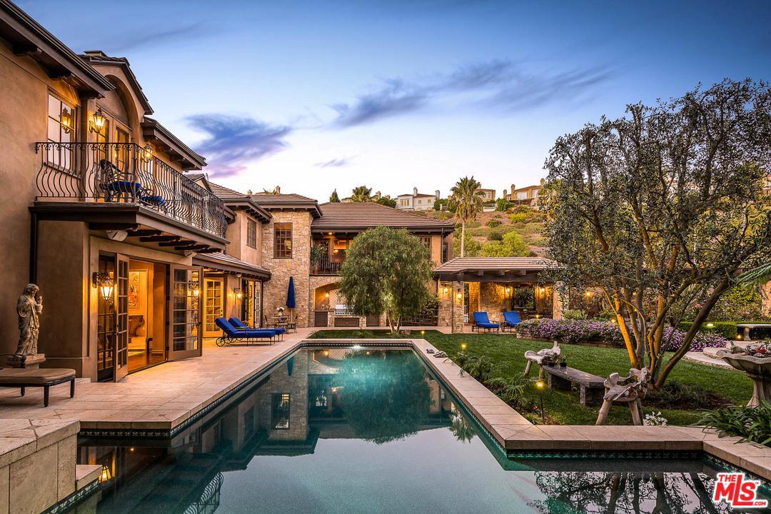 Photo of 1382 PIEDRA MORADA Drive, Pacific Palisades, CA 90272