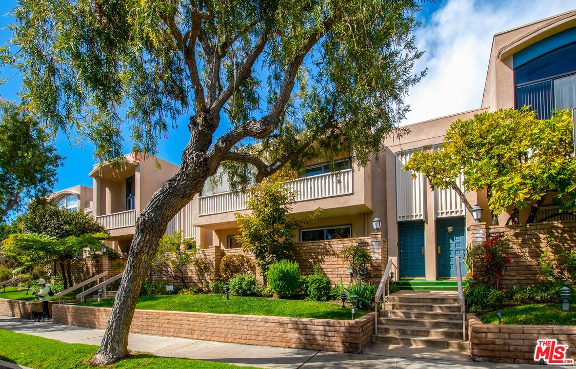 Photo of 13229 FIJI Way #D, Marina Del Rey, CA 90292