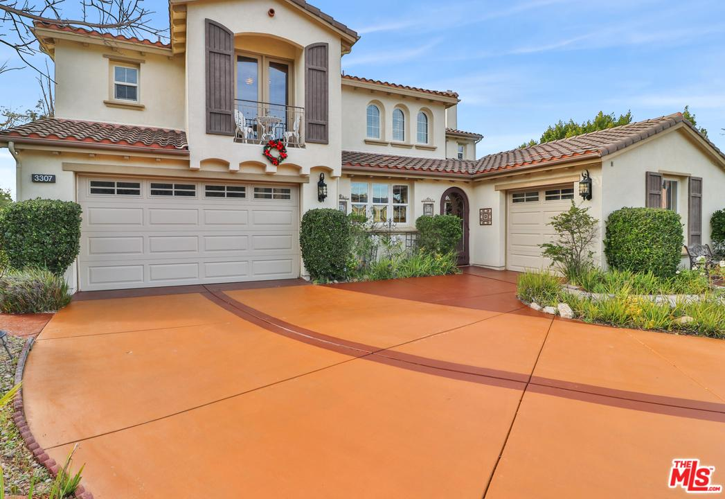Photo of 3307 WHISPERING GLEN Court, Simi Valley, CA 93065