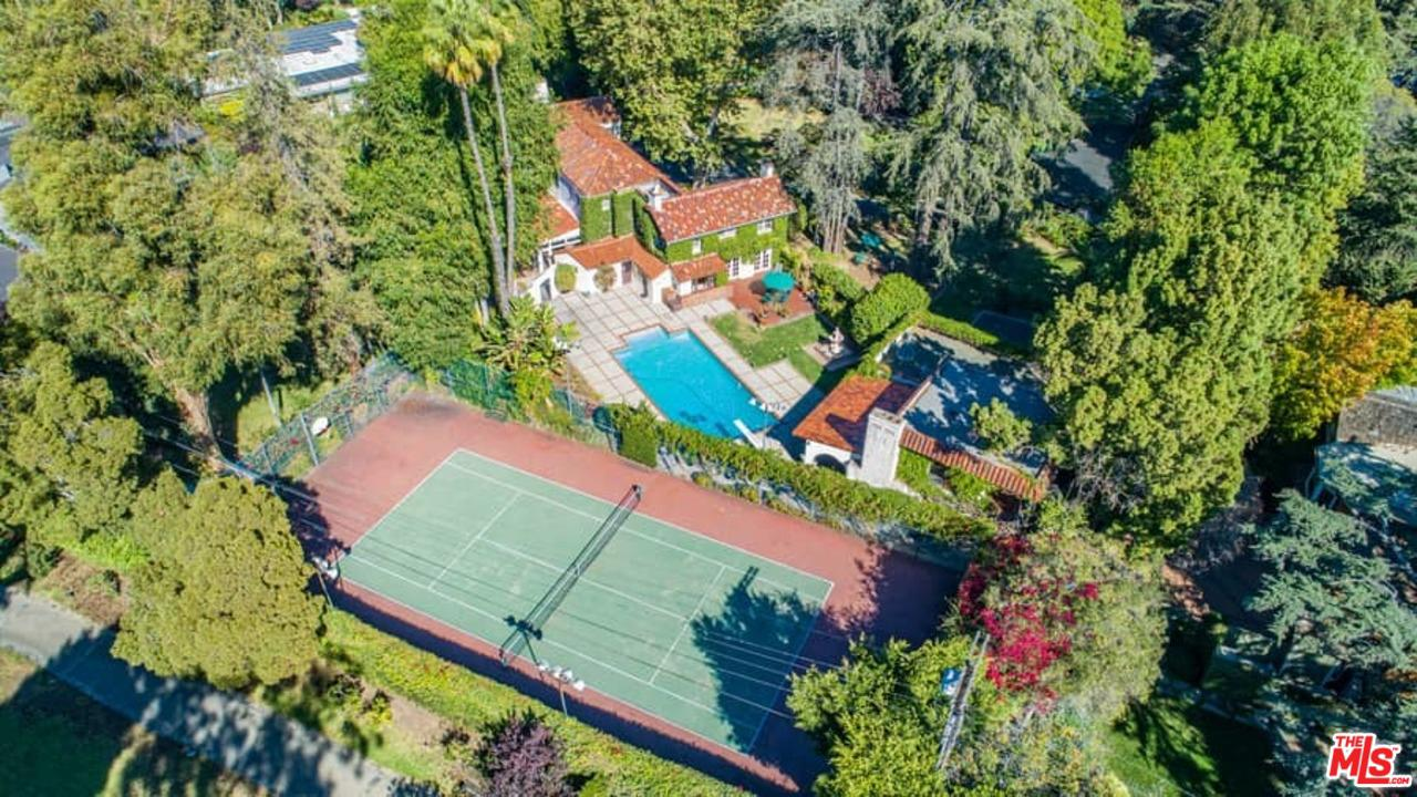 Photo of 808 WOODACRES Road, Santa Monica, CA 90402