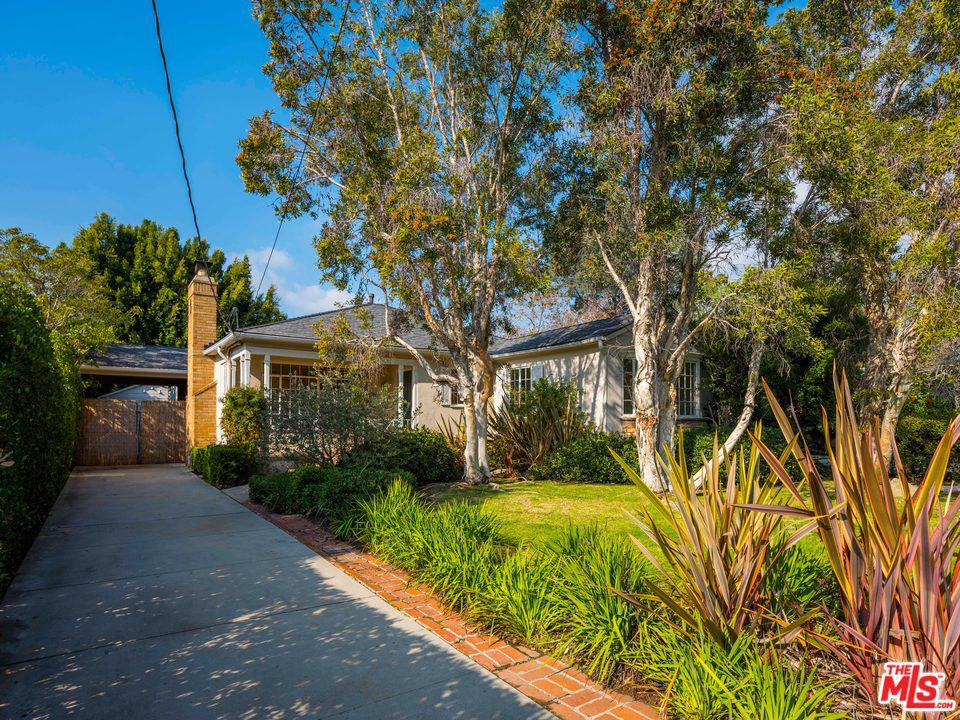 Photo of 807 RADCLIFFE Avenue, Pacific Palisades, CA 90272