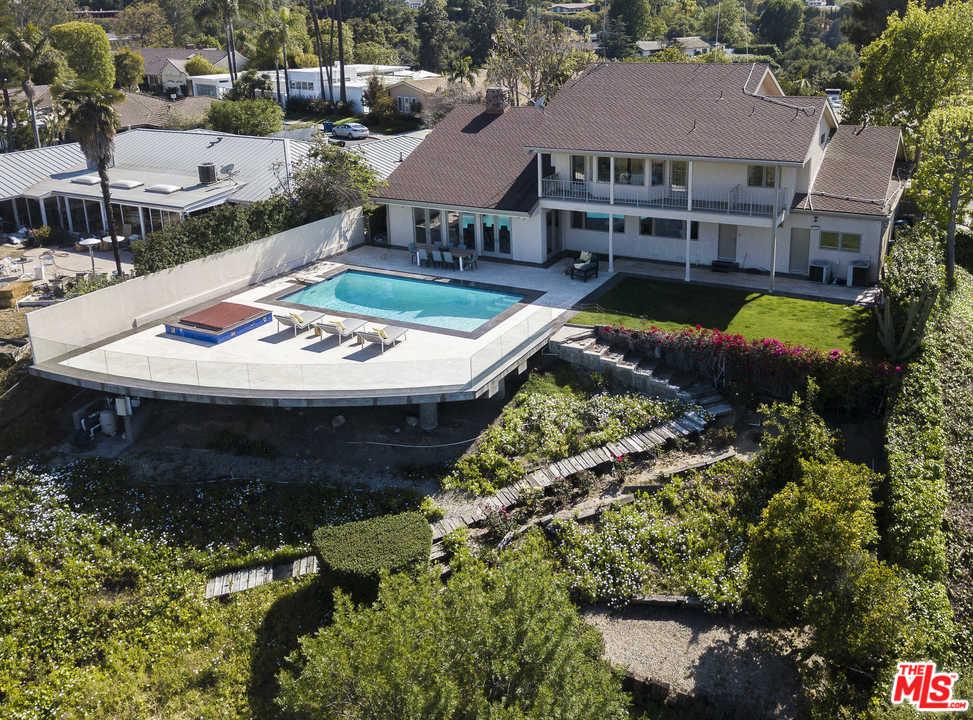 Photo of 3554 CROWNRIDGE DR, Sherman Oaks, CA 91403