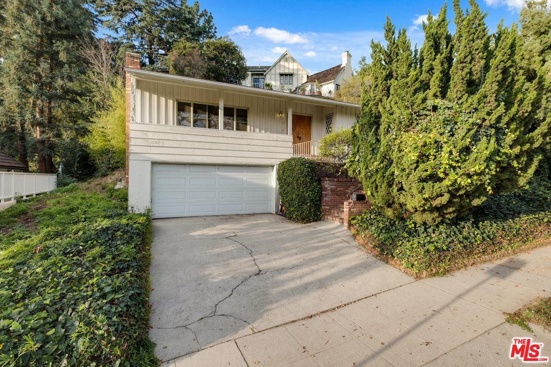 317 BRONWOOD, Los Angeles (City), CA 90049