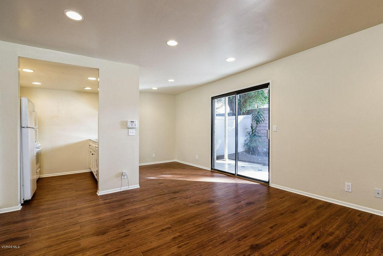 318 SANTA BARBARA, Santa Paula, CA 93060 - 004_04_family_room