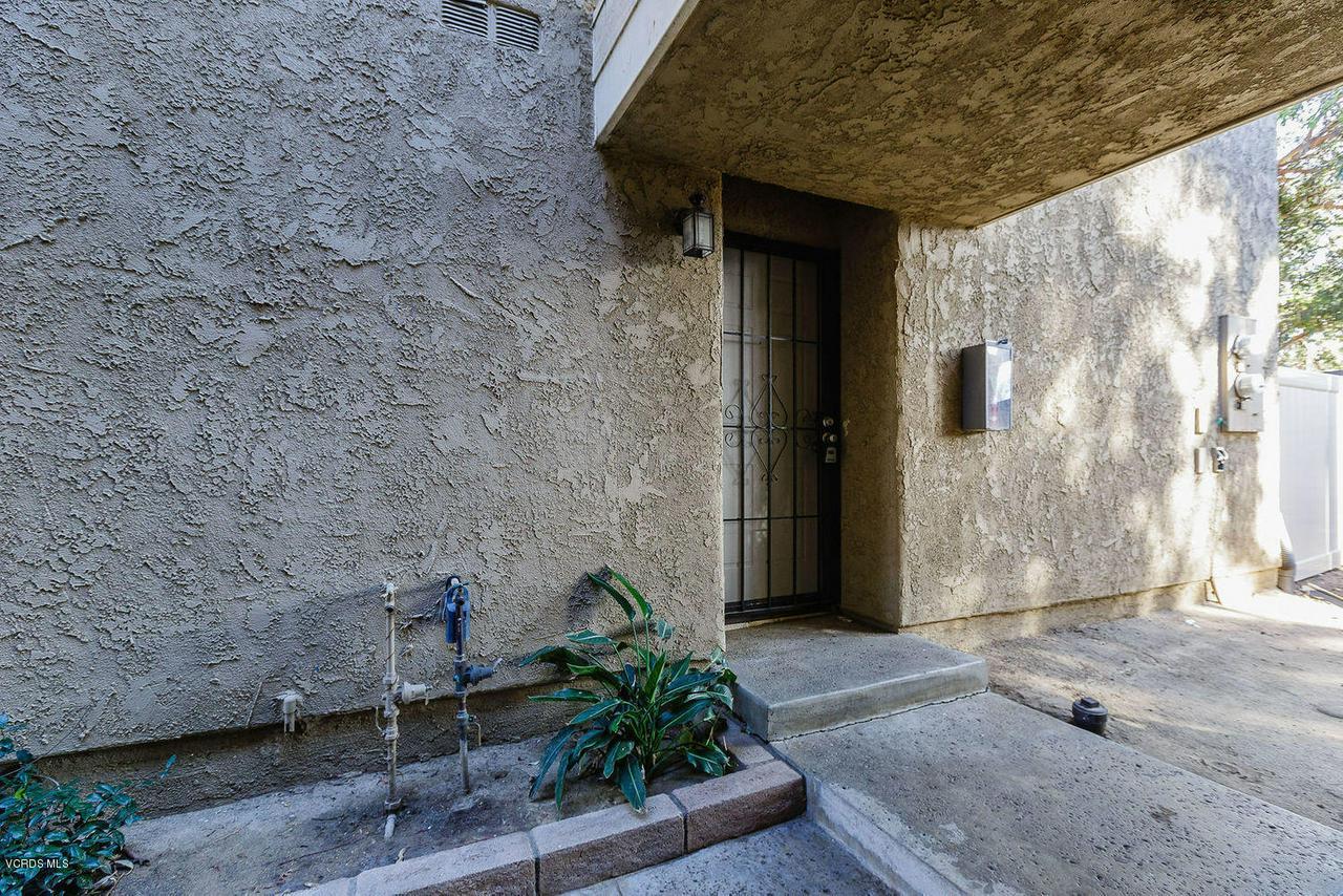 318 SANTA BARBARA, Santa Paula, CA 93060 - 016_16_front_facade
