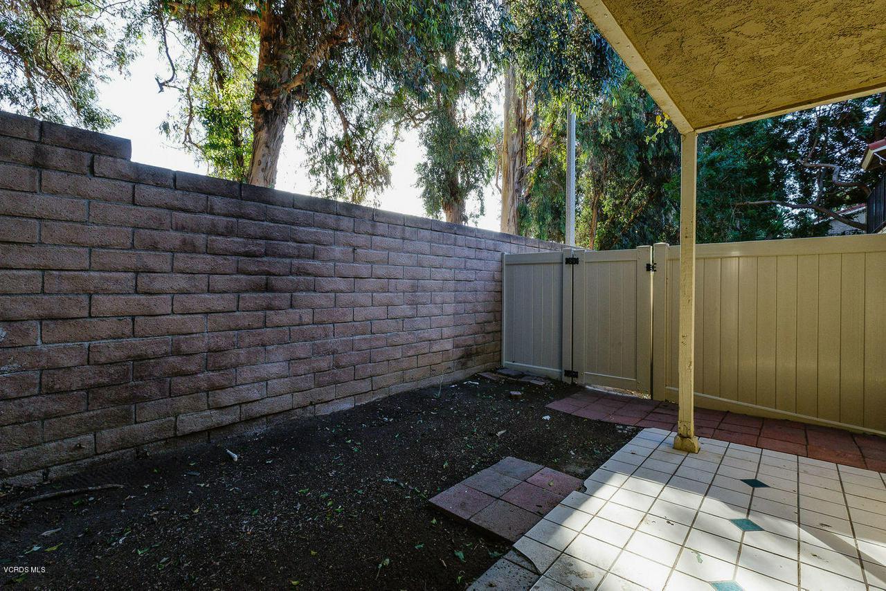 318 SANTA BARBARA, Santa Paula, CA 93060 - 015_15_patio